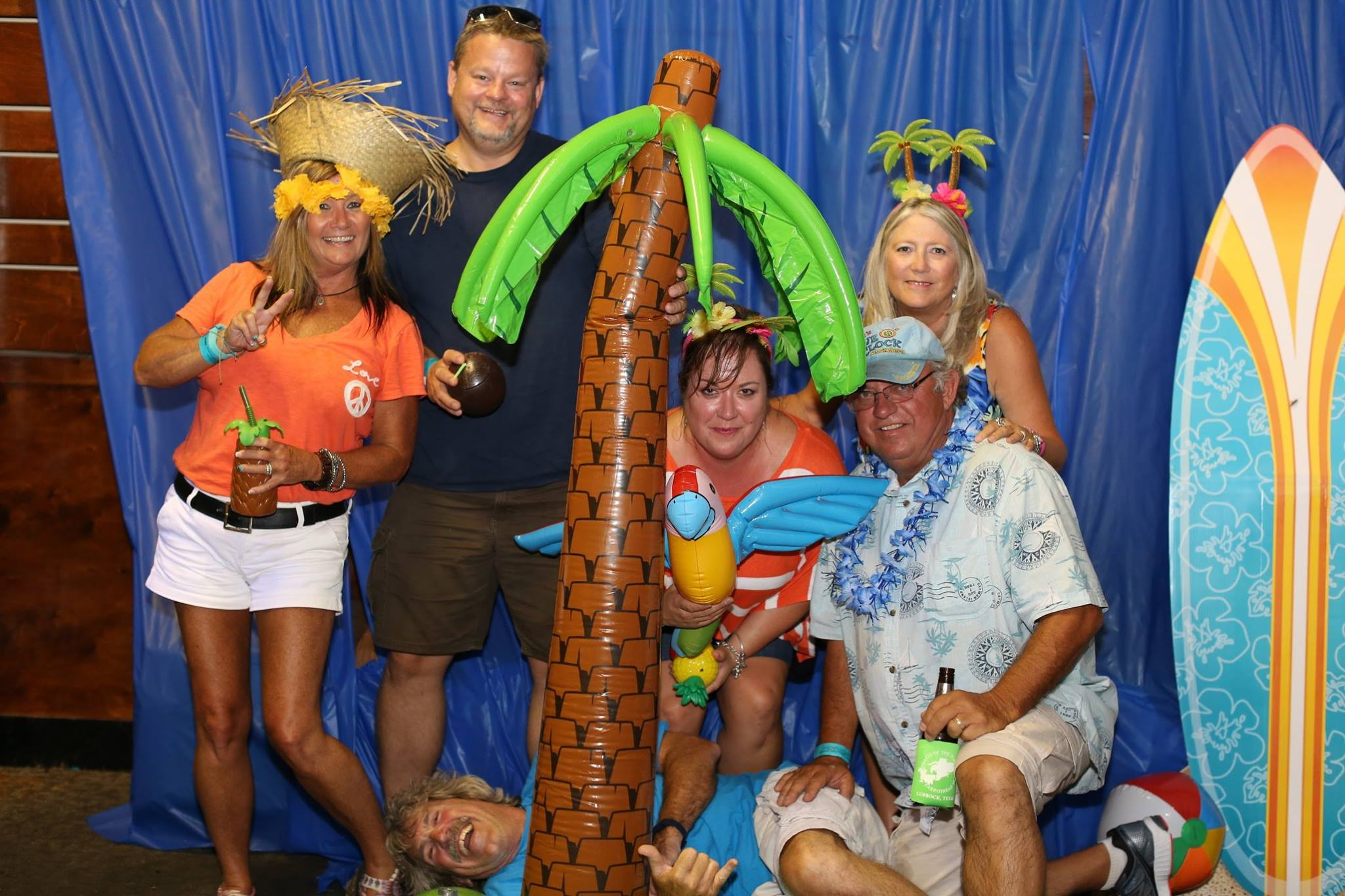 Some more Pix of Amarillo Prairie Sharks partying with the Lubbock Parrotheads!!…